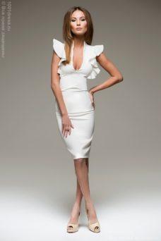 Молочное платье с воланами на плечах купить в Воронеже