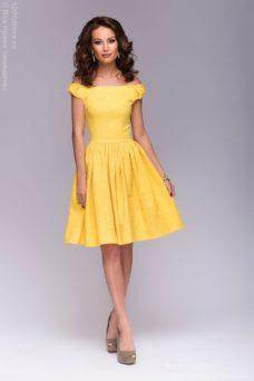 Короткое платье желтого цвета с бантиками на плечах купить в интернет-магазине