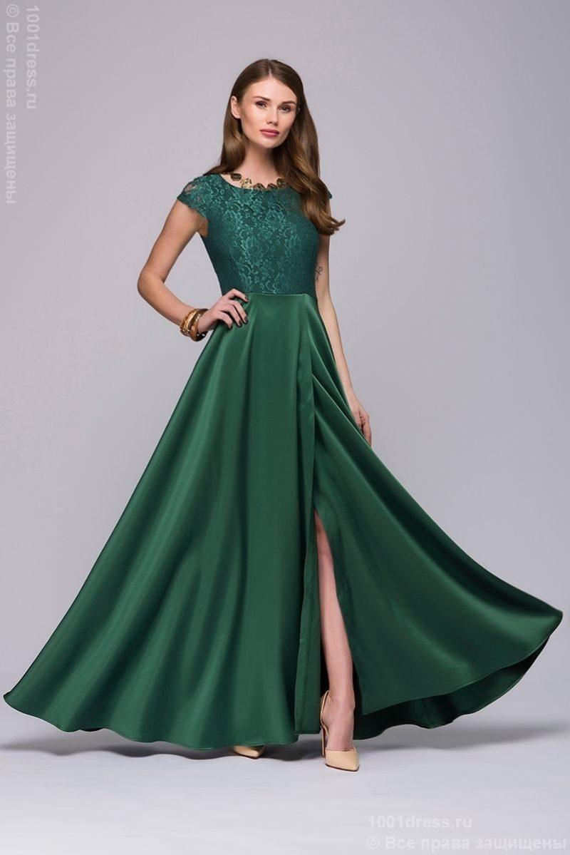 Длинное изумрудное платье с разрезом на юбке купить в интернет-магазине