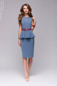 Платье-футляр голубого цвета без рукавов с баской купить в интренет-магазине