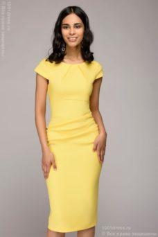 Желтое платье-футляр с короткими рукавами купить в Воронеже