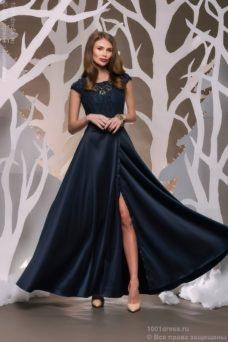 Длинное темно-синее платье с разрезом на юбке купить в Воронеже