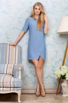 Короткое платье голубого цвета свободного кроя купить в интернет-магазине