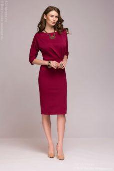 Платье длины миди бордового цвета с защипами по линии талии купить в Воронеже