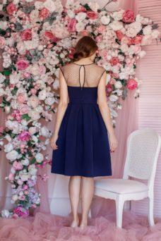 Темно-синее платье длины миди с пышной юбкой без рукавов купить в интернет-магазине