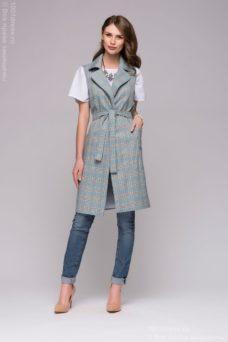 Удлиненный жилет голубого цвета в клетку с карманами и отложным воротником купить в интернет-магазине