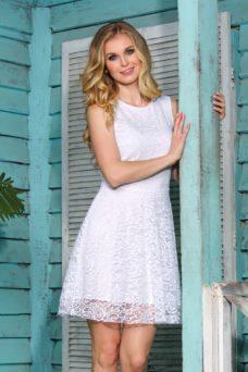 Короткое кружевное платье белого цвета с расклешенной юбкой купить в Воронеже