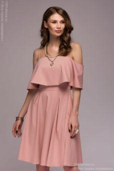 Платье цвета пудры длины мини на бретелях с двойным воланом купить в Воронеже