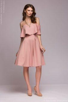 Платье цвета пудры длины мини на бретелях с двойным воланом купить в интернет-магазине