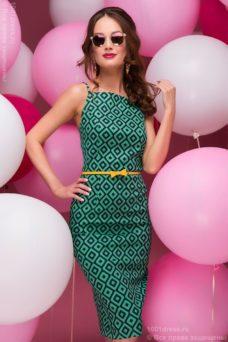 Зеленое платье на тонких бретелях с геометричным принтом купить в Воронеже