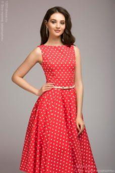 Платье кораллового цвета в горошек длины миди в стиле ретро купить в интернет-магазине