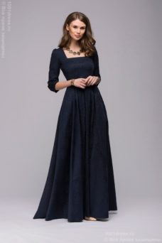 Длинное темно-синее платье с прямоугольным вырезом и рукавами 3/4 купить в Воронеже
