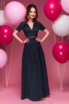 Вечернее платье макси темно-синего цвета с вырезом на груди купить в Воронеже