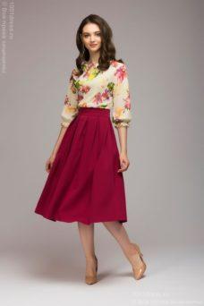 Платье миди с бордовой юбкой и цветочным принтом купить в интернет-магазине