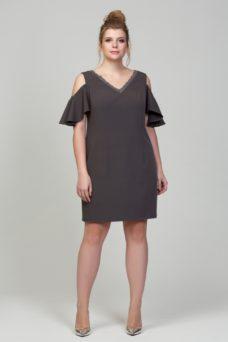 Заказать Короткое платье цвета мокко с открытыми плечами и воланами большого размера с бесплатной доставкой по России
