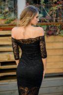 Заказать Черное гипюровое платье длины миди с открытыми плечами с бесплатной доставкой по России