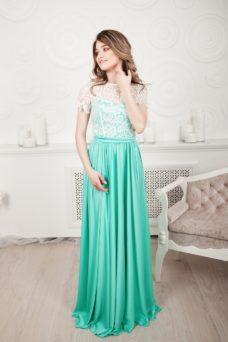 Длинное мятное платье с пышной юбкой и кружевным верхом с короткими рукавами купить в Воронеже