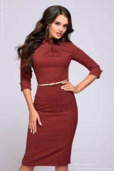 Платье-футляр цвета марсала с имитацией галстука купить в Воронеже