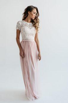 Платье в пол цвета пудры с пышной юбкой с фатином и кружевным верхом купить в Воронеже