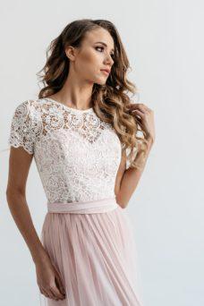Платье в пол цвета пудры с пышной юбкой с фатином и кружевным верхом купить в интернет-магазине