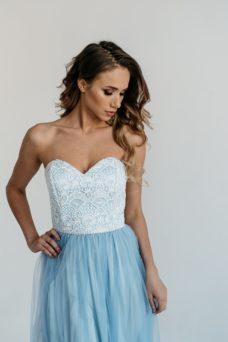 Вечернее платье-корсет голубого цвета с кружевным верхом и фатиновой юбкой купить в интернет-магазине