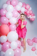 Короткое платье из крупных роз розового цвета с открытой спиной заказать с примеркой