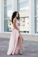Пудровое платье в пол в греческом стиле из шелка заказать с примеркой