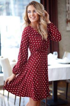 Короткое платье с запахом цвета марсала в горошек купить в интернет-магазине