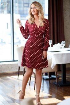 Короткое платье с запахом цвета марсала в горошек заказать с примеркой