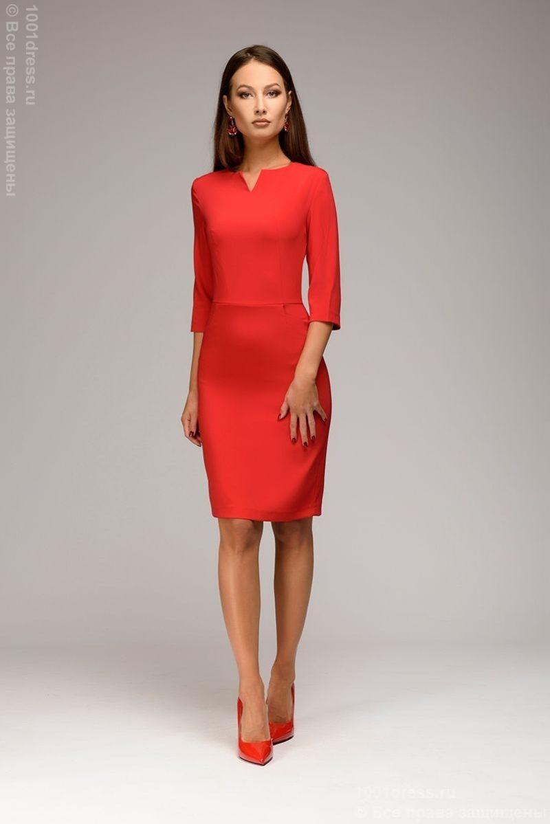 Красное платье-футляр с рукавами 3/4 dm00568rd-2
