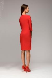 Заказать Красное платье-футляр с рукавами 3/4 с бесплатной доставкой по России