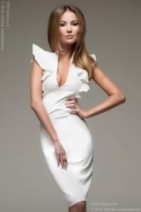 Заказать молочное платье с воланами на плечах в интернет-магазине в Воронеже