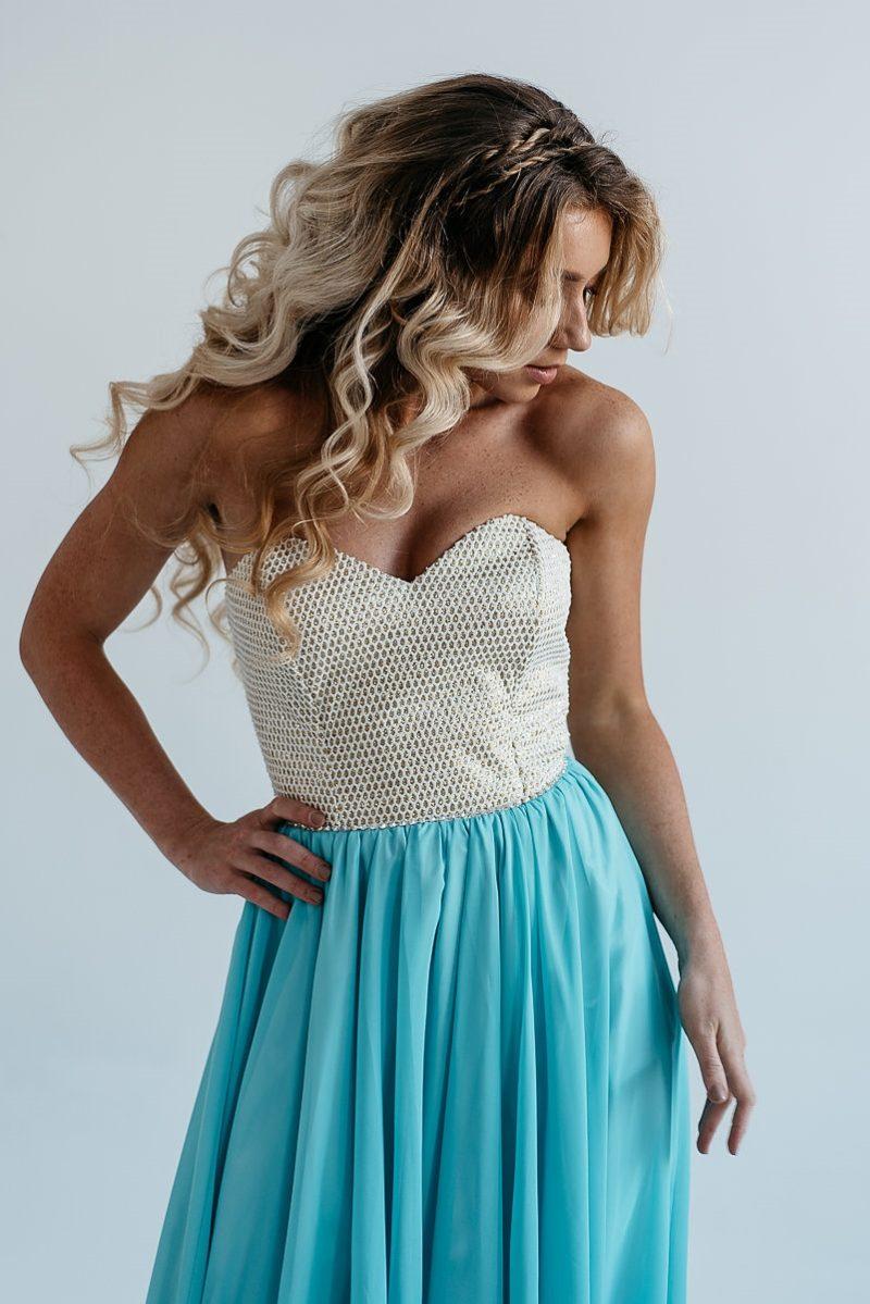 Заказать Вечернее платье-корсет с золотым верхом и голубой юбкой с бесплатной доставкой по России