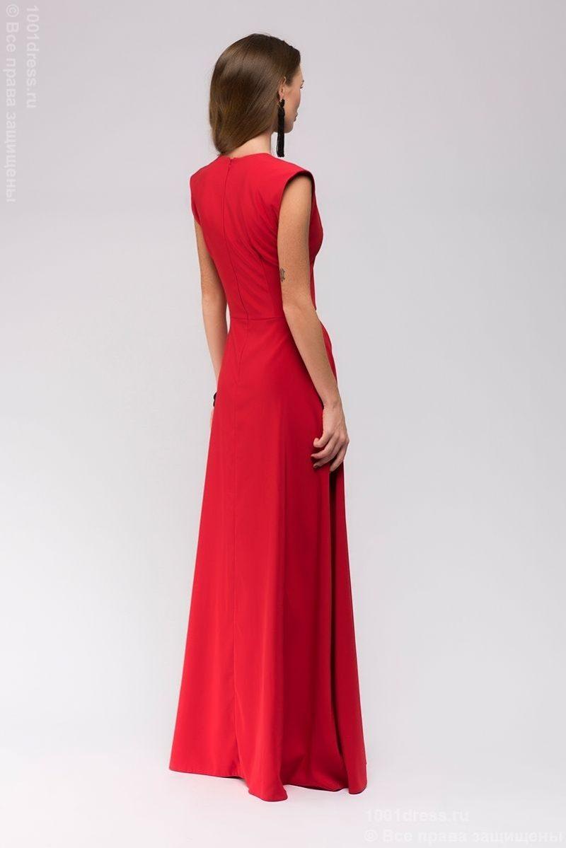 Заказать Длинное красное платье с глубоким декольте с бесплатной доставкой по России