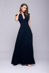 Длинное темно-синее платье с глубоким декольте купить в Воронеже