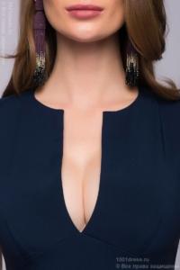 купить Длинное темно-синее платье с глубоким декольте в магазине женской одежды в Воронеже