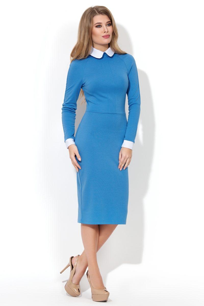 Заказать Голубое платье-футляр с белым воротником и манжетами с бесплатной доставкой по России