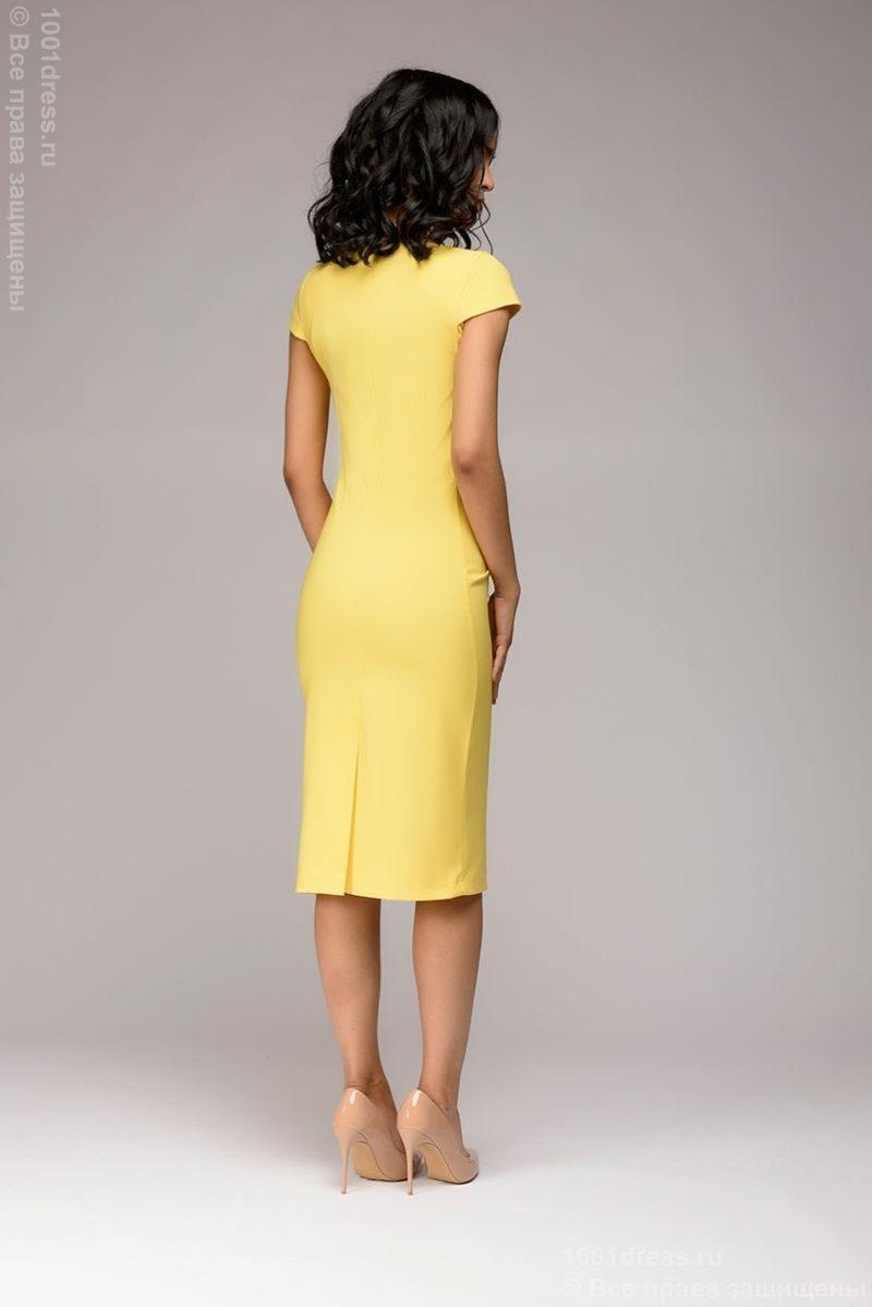 Желтое платье-футляр с короткими рукавами dm00204yl-5