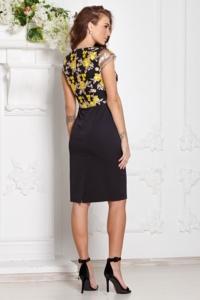 Заказать Черное платье-футляр с кружевным верхом и короткими рукавами с бесплатной доставкой по России
