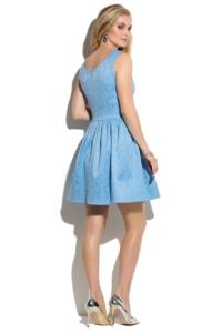 КупитьКороткое голубое платье из жаккарда без рукавов с пышной юбкой в магазине женской одежды в Воронеже