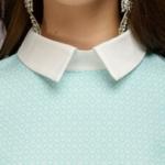 Платье-рубашка свободного кроя с голубым принтом и белой отделкой dm00908lb-4