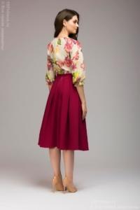 Заказать Платье миди с бордовой юбкой и цветочным принтом с бесплатной доставкой по России