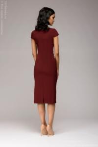 Заказать Платье-футляр винного цвета с драпировкой на талии и короткими рукавами с бесплатной доставкой по России