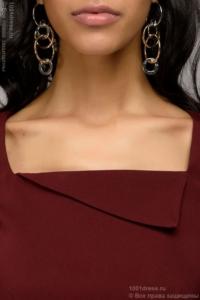 Купить Платье-футляр винного цвета с драпировкой на талии и короткими рукавами в магазине женской одежды в Воронеже