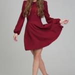 Короткое платье вишневого цвета с расклешенной юбкой и рукавом «фонарик» ds00290ch-3
