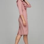 Пепельно-розовое платье-футляр длины миди с воланами на груди и рукавами 3/4 ds00295sp-3
