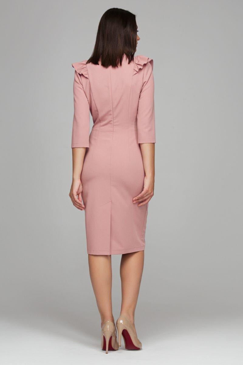 Купить Пепельно-розовое платье-футляр длины миди с воланами на груди и рукавами 3/4 в магазине женской одежды в Воронеже