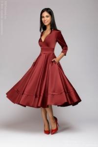 Бордовое платье миди с глубоким декольте и рукавами 3/4 купить в интернет-магазине
