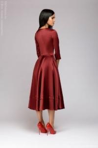Заказать Бордовое платье миди с глубоким декольте и рукавами 3/4 с бесплатной доставкой по России