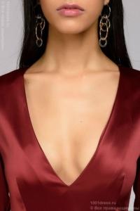 Купить Бордовое платье миди с глубоким декольте и рукавами 3/4 в магазине женской одежды в Воронеже